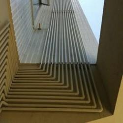 Instalação de prumada de colunas em prédios